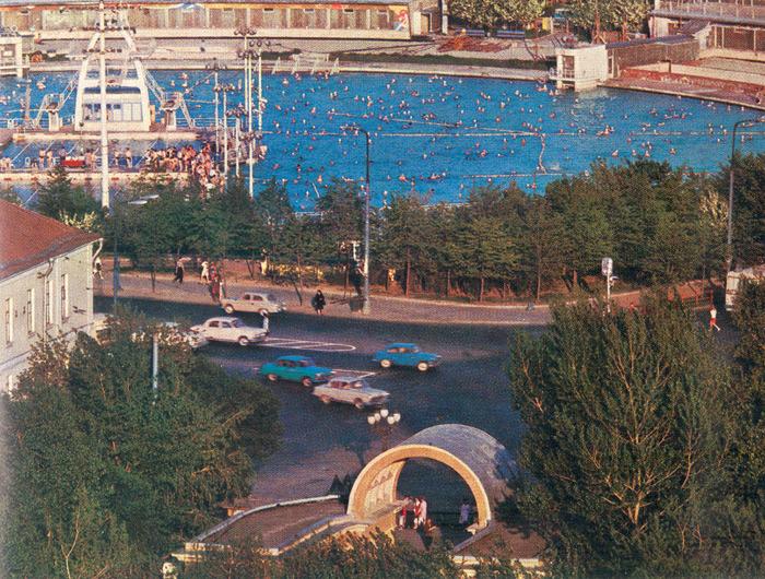 Бассейн Москва фото